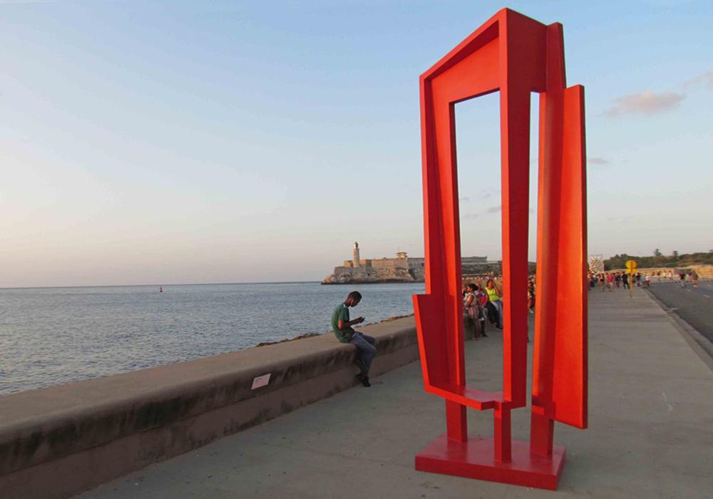 Carlos Albert En La XIII Bienal De La Habana